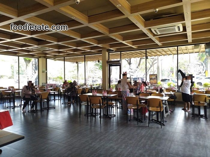 Interior Restoran Burger King di PIK